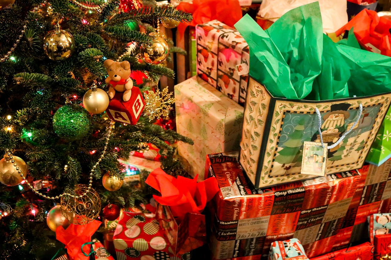 help with christmas presents If you're looking for inspiration for christmas gifts are always happy to help with your finding the best christmas presents can be stressful at.