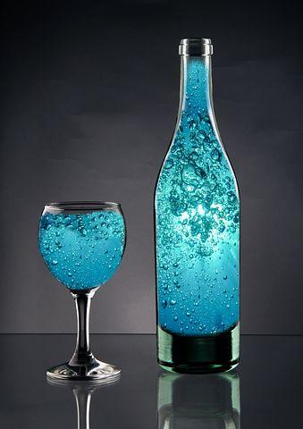 bottle-3017833__480.jpg