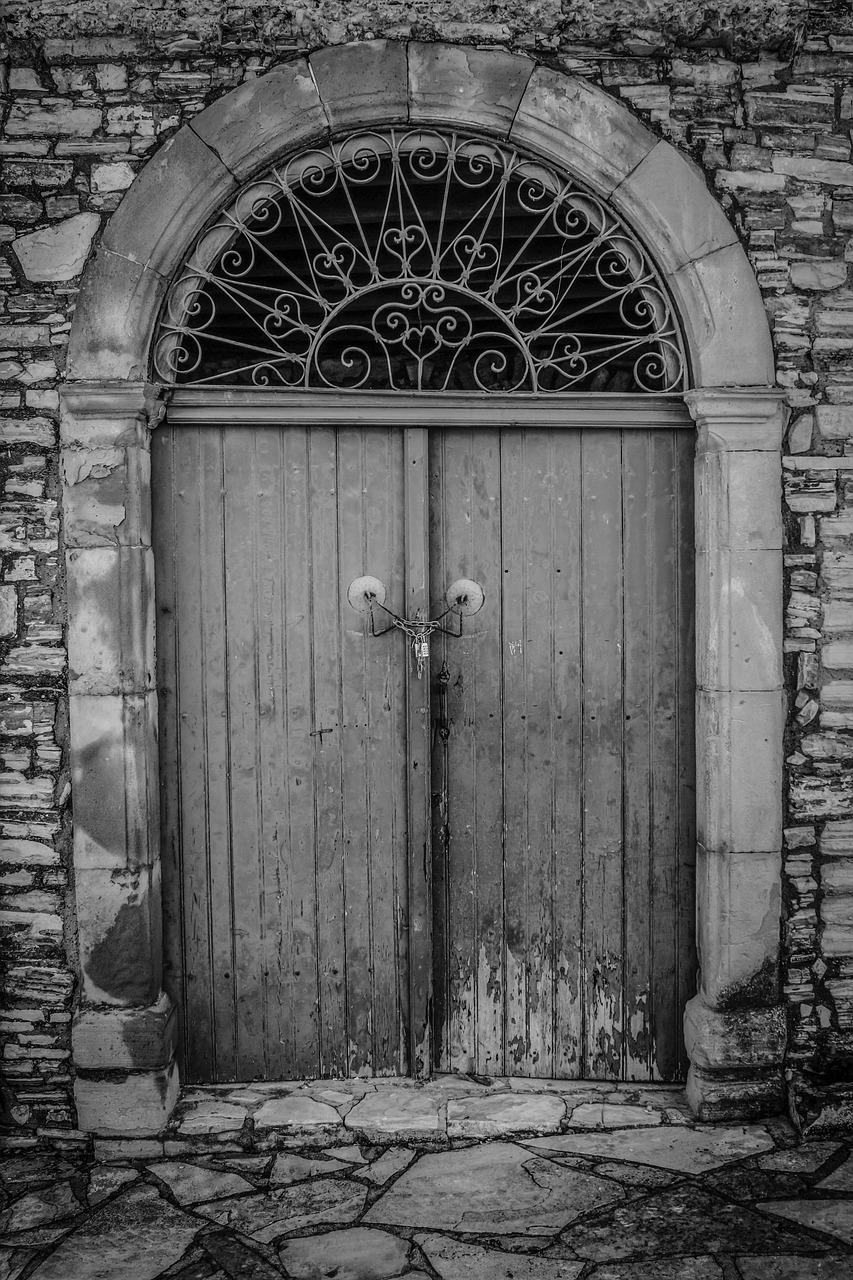 картинки на двери и ворота закадровый