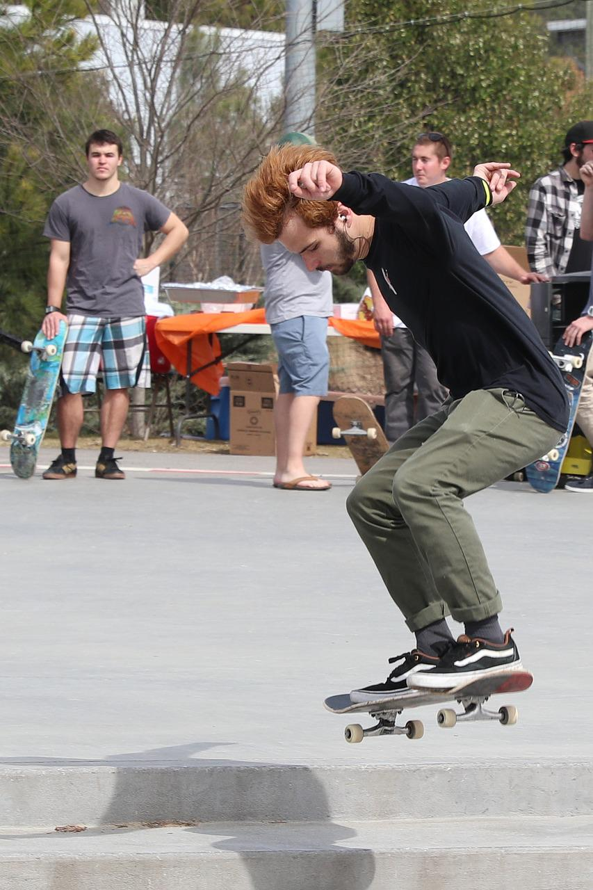 skateboard essay topics choose your own approach to having fun skateboard essay article 103 persuasive essay topics for college students having more than 100 good persuasive essay topics is never enough without several supportive skills choose the topic wisely a student must be comfortable with his choice and elaborate on it to develop a powerful thesis and defend it.