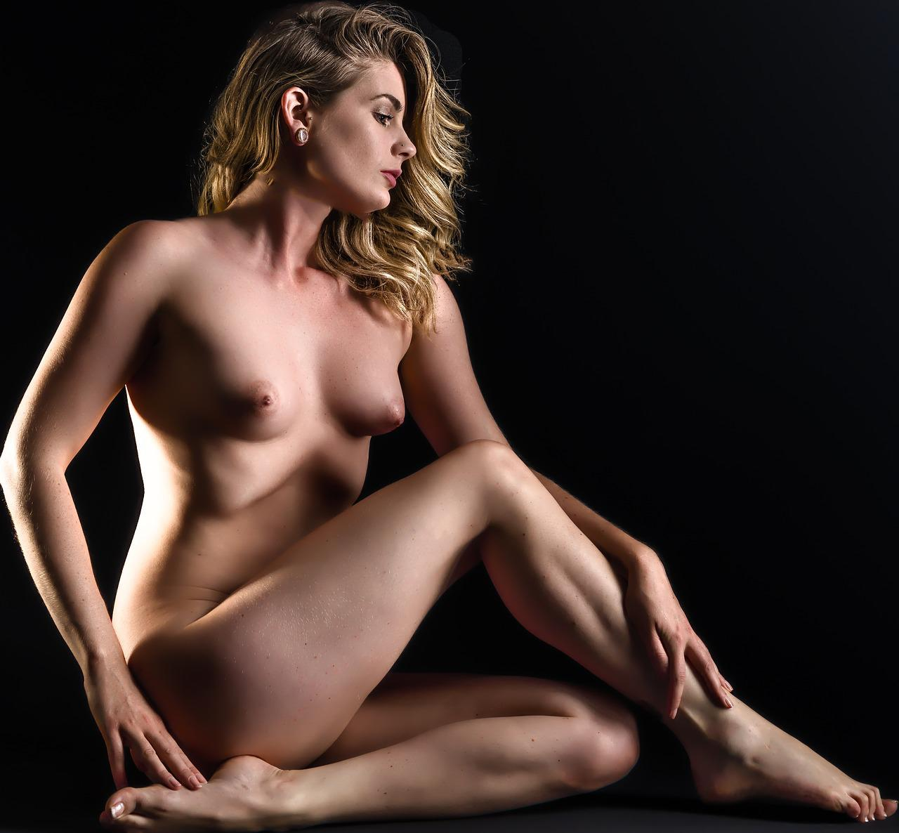 Woman photo shoot nude