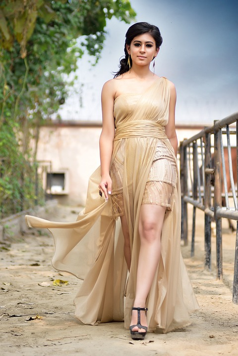 best sneakers 31f8c 0060c Frau Schöne Kleid - Kostenloses Foto auf Pixabay