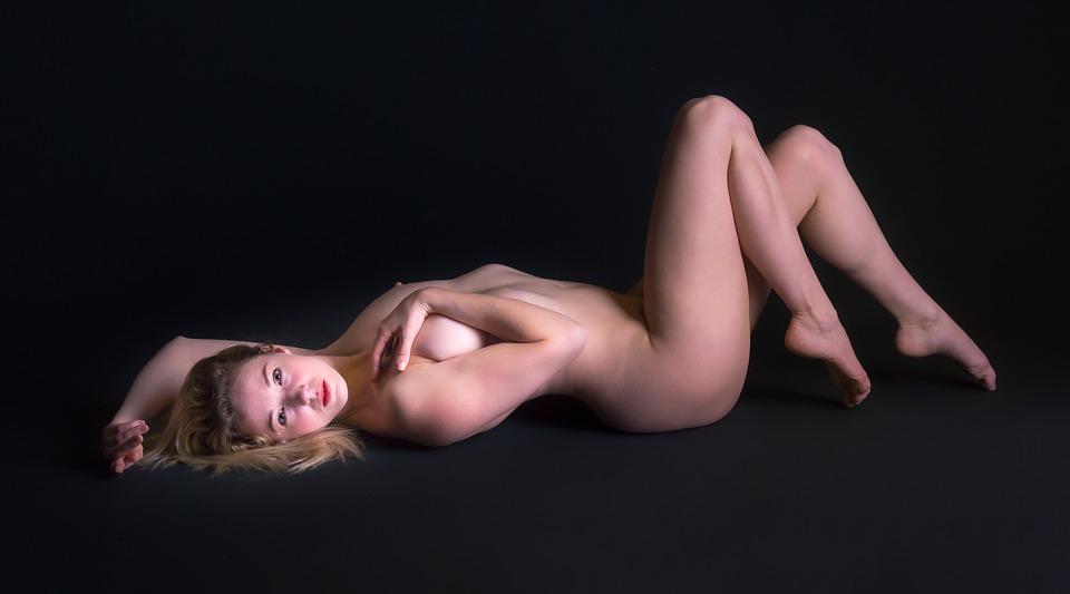 kvinnelig ung naken full porno vedio