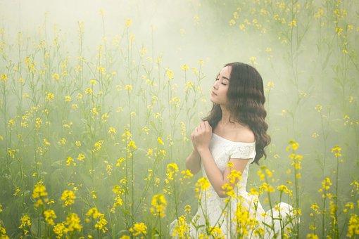 霧, 女の子, 花, 美しさ, 入札, アジア, 日本, ミスト, 黄色, 祈り