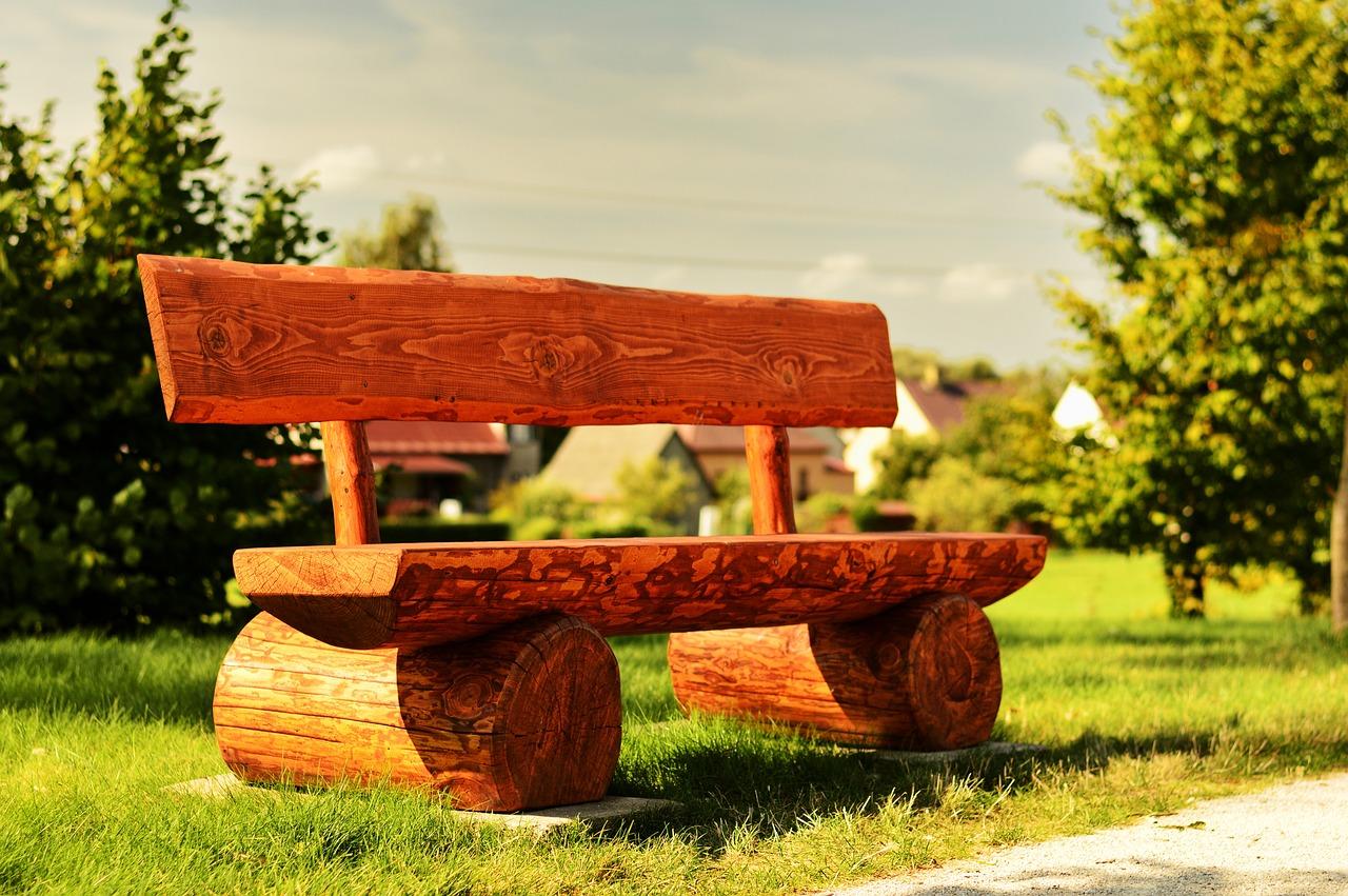 год картинка скамейка из дерева хвалюсь