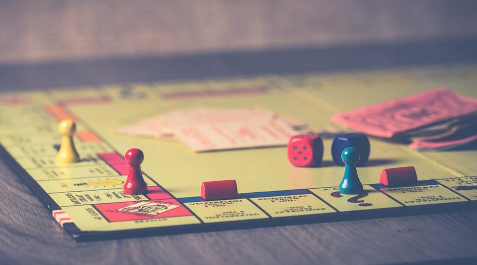 競争, ゲーム, 相互作用, 勝利, ボード ゲーム, アクション, ポーン, 失, 室内ゲーム, 再生