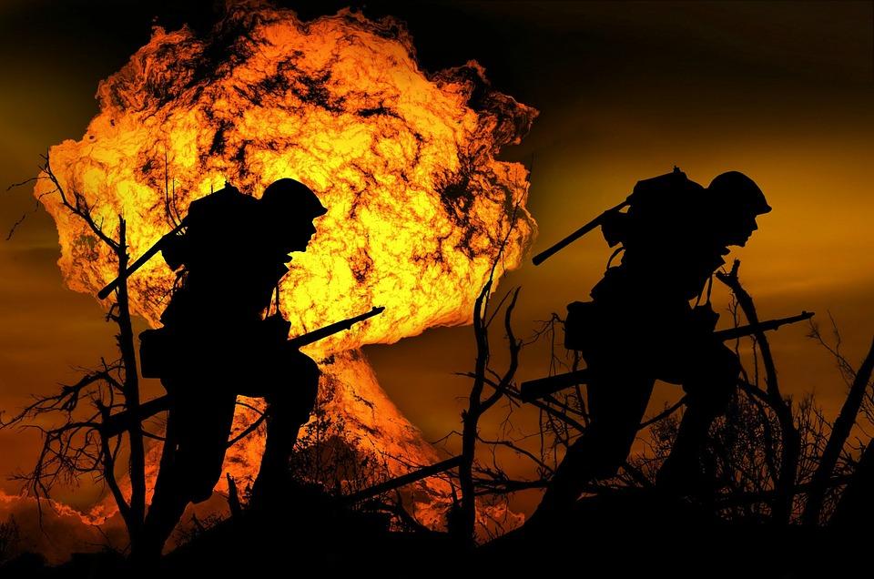 Ledakan, Perang, Prajurit, Menjalankan, Serangan