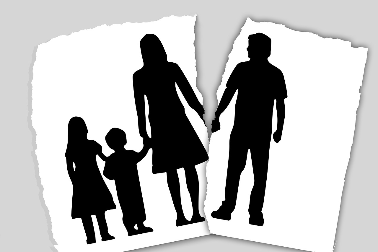 Extramarital Affairs Plays Very Important Role in Marriage Conflicts