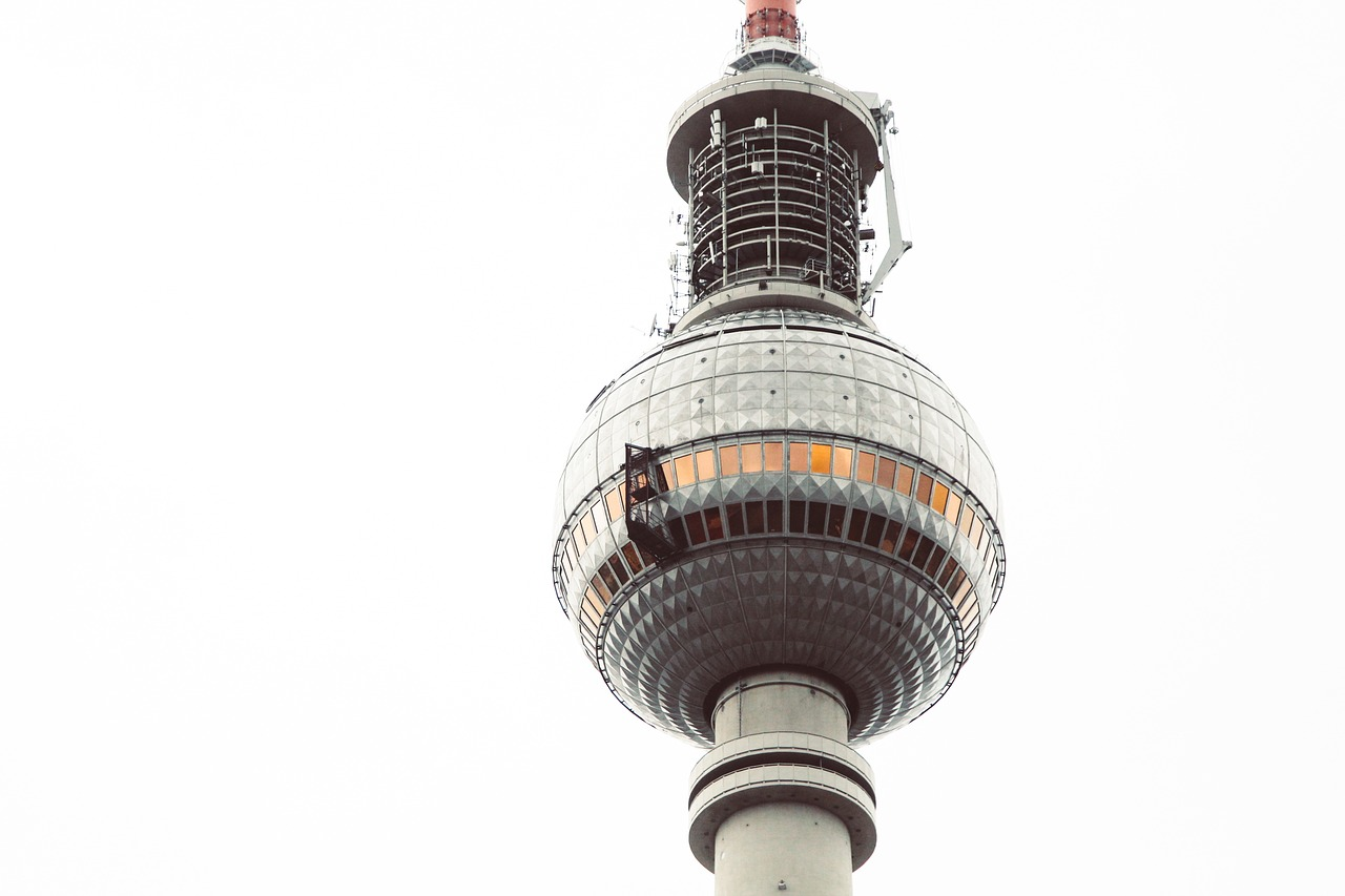 башня с одним куполом картинки верит