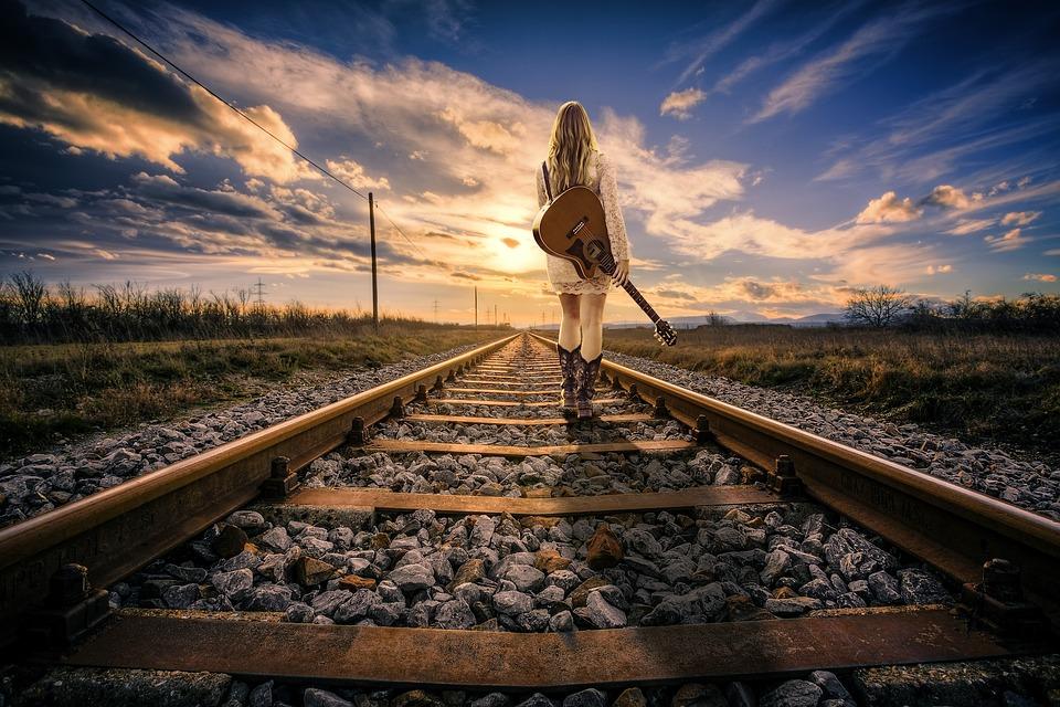 Eisenbahnlinie, Eisenbahn, Schiene, Mädchen, Frau