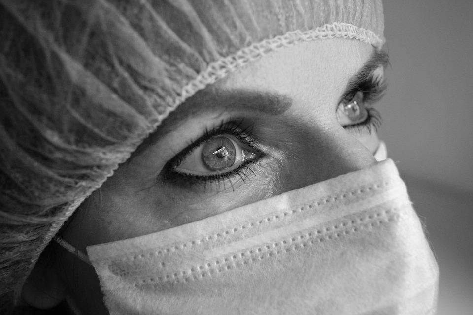 Кто такой врач уролог, чем он занимается, сколько зарабатывает и где освоить профессию