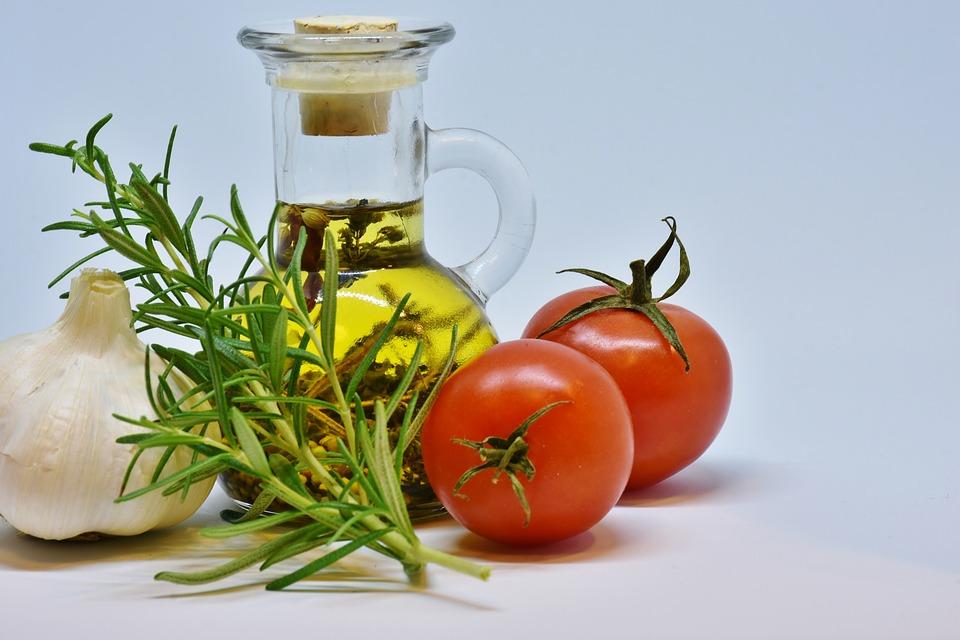 Olio, Olio D'Oliva, Alimentari, Pomodoro, Sano, Verdure