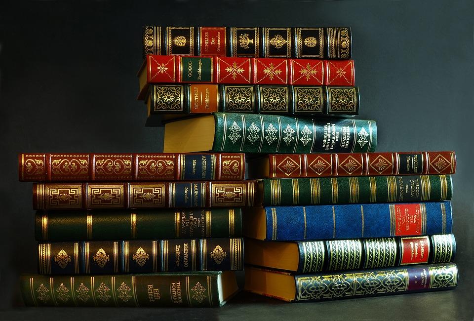 Куда деть старые ненужные книги из домашней библиотеки сдать за деньги или отдать бесплатно