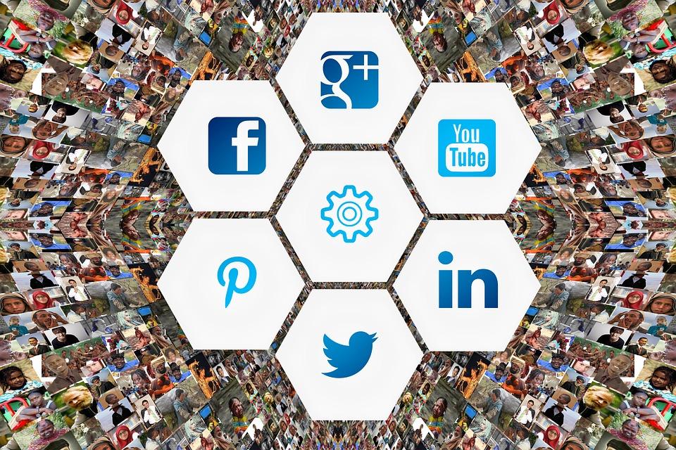 สื่อสังคม, ใบหน้า, อัลบั้มรูป, เครือข่ายทางสังคม, ลูก