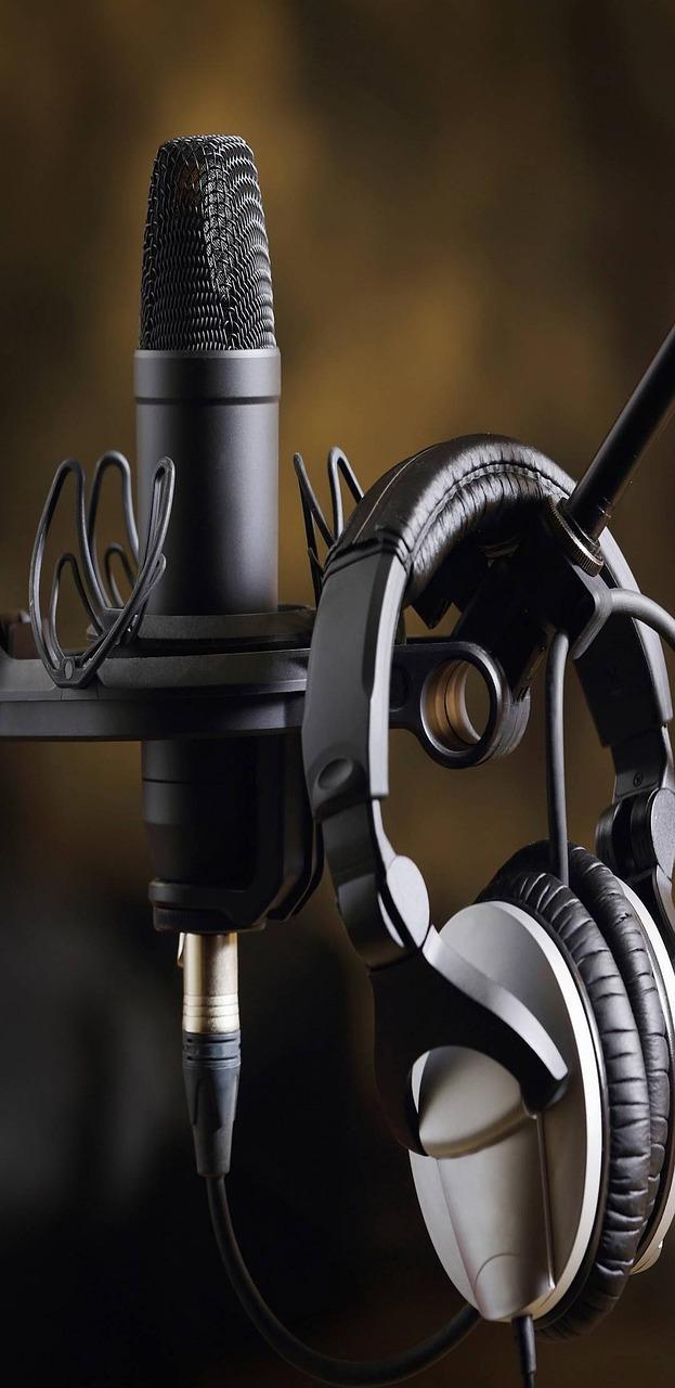 аппаратная картинки с наушниками и микрофонами питере пить