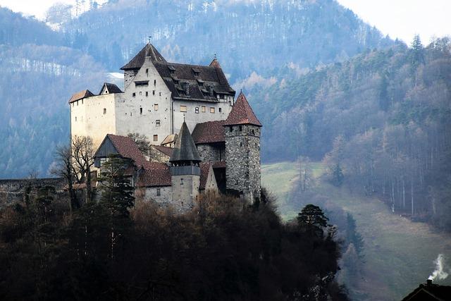 castle travel mountain  u00b7 free photo on pixabay