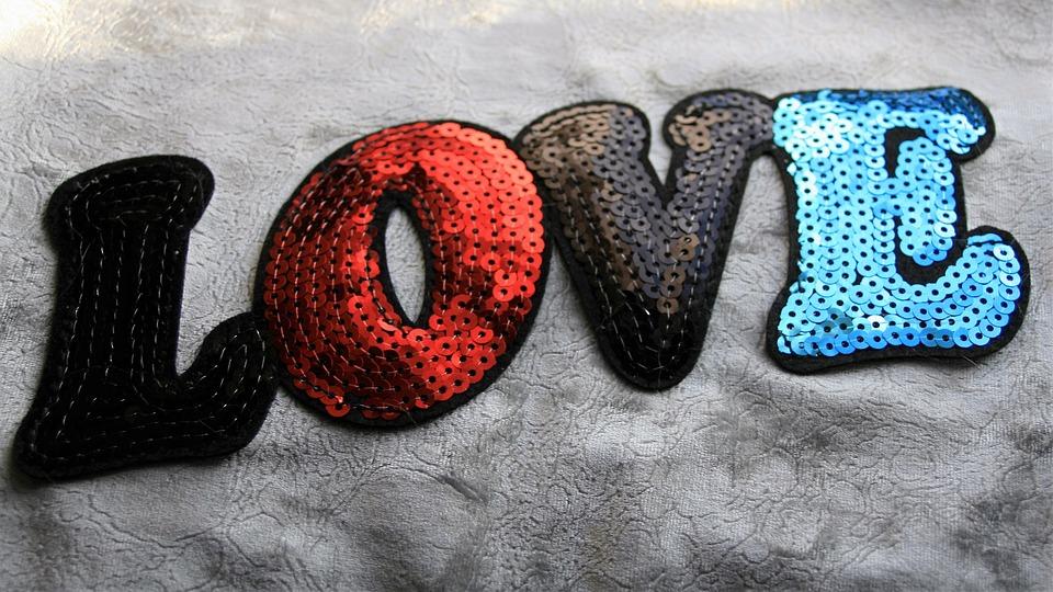 Amore, 14, Febbraio, L'Iscrizione, Paillettes, Ricamato