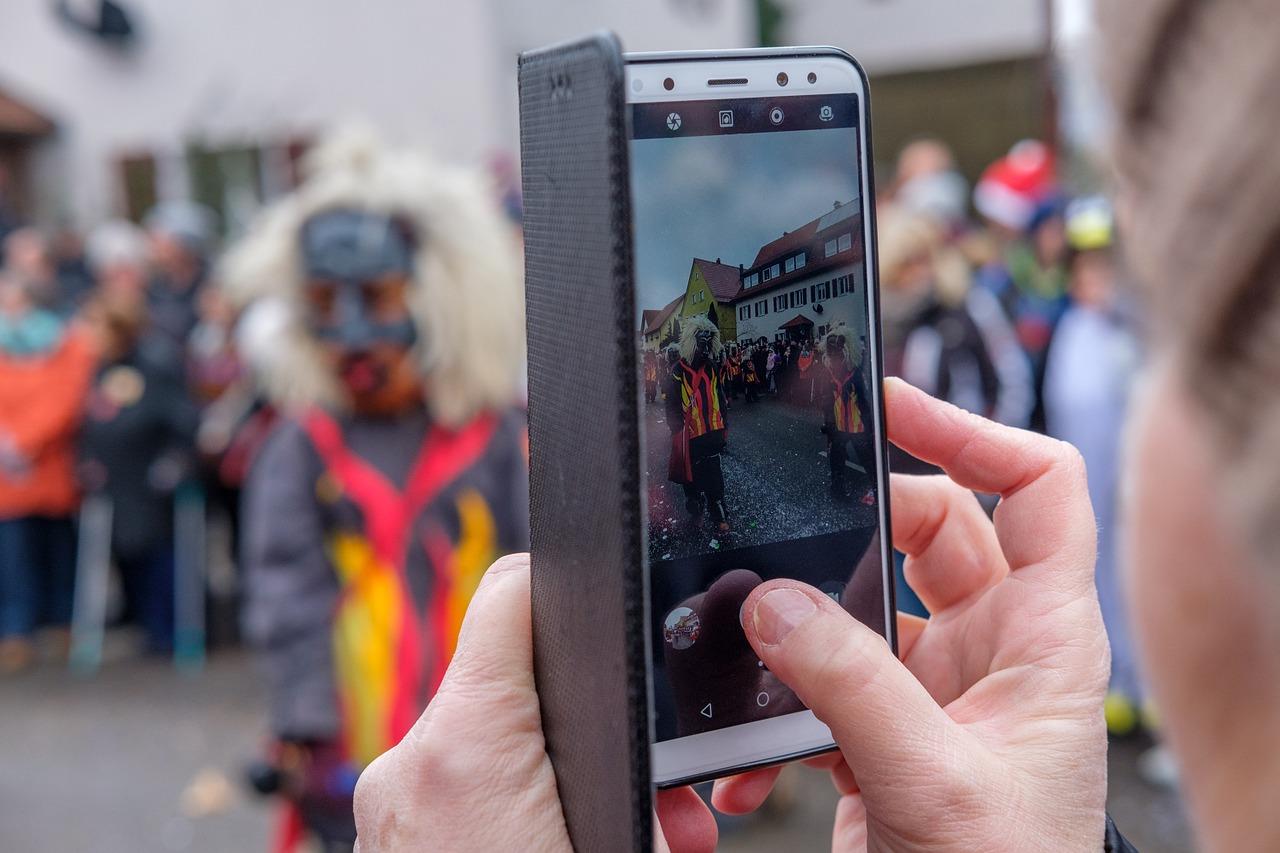извести фотобанки принимающие фотографии с мобильных наверно замечал