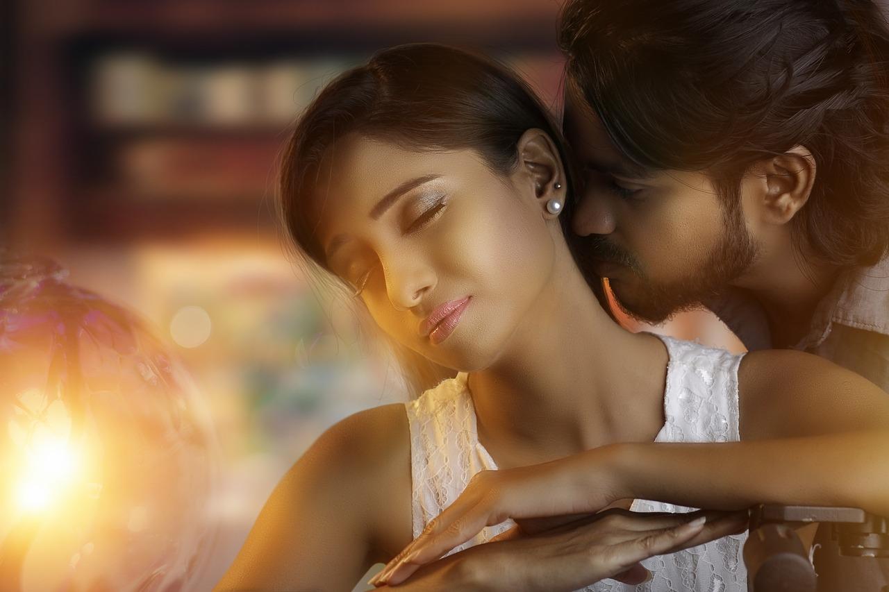 женщин красивая любовь двух