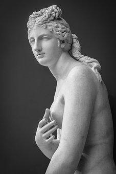 beautiful nude greek women