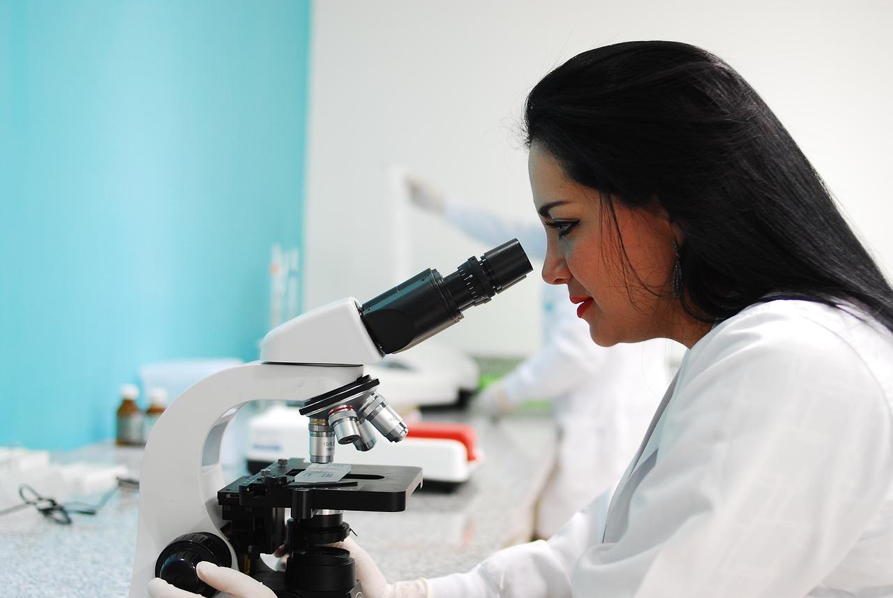 Для точной диагностики ларингита рекомендуется обратиться к врачу.