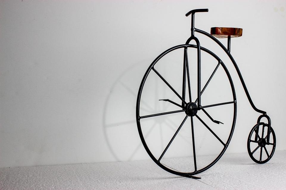 自転車の速度・種類別7種類|制限や違反時の罰則・速度メーター