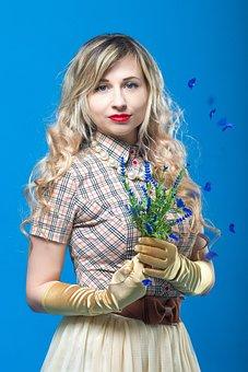 Flowers, Plaid Shirt, Gloves, Blonde