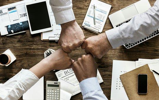 「台美企業圓桌論壇」達成三項共識:1⃣持續推動促成台美啟動BTA協商2⃣赴美投資稅應與英日一致3⃣在5G、健康醫療、電動車等重點產業共同探討合作及投資方向