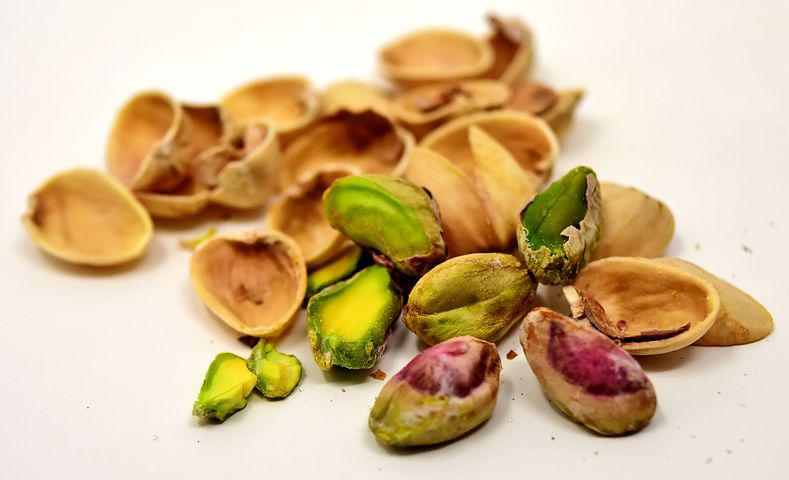 nuts in pregnancy, pistachio