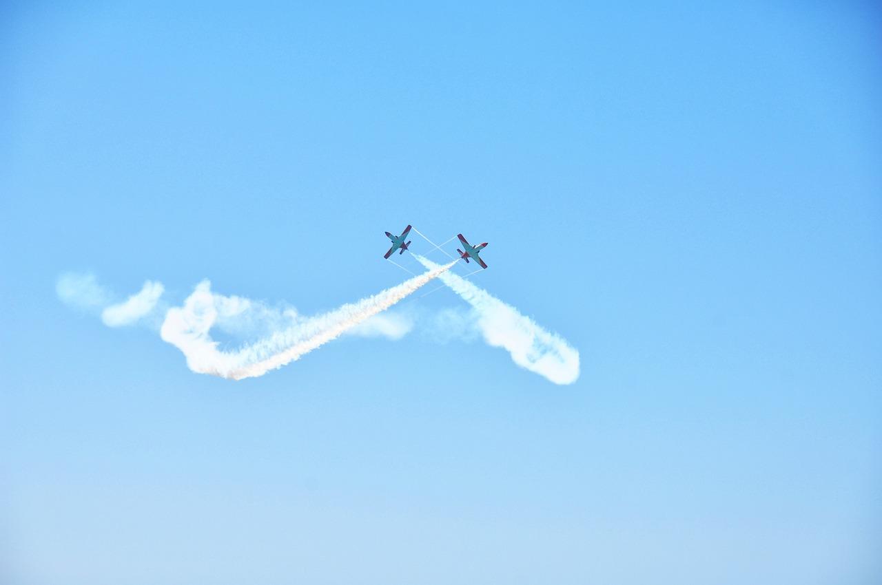 Картинки самолетов с надписями на небе, для день рождения