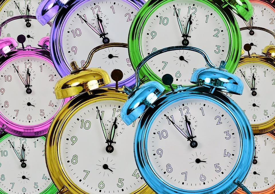 アラームクロック, 時間, 時間の, 時間を示す, ダイヤル, ポインター, ベルを鳴らす, クロック