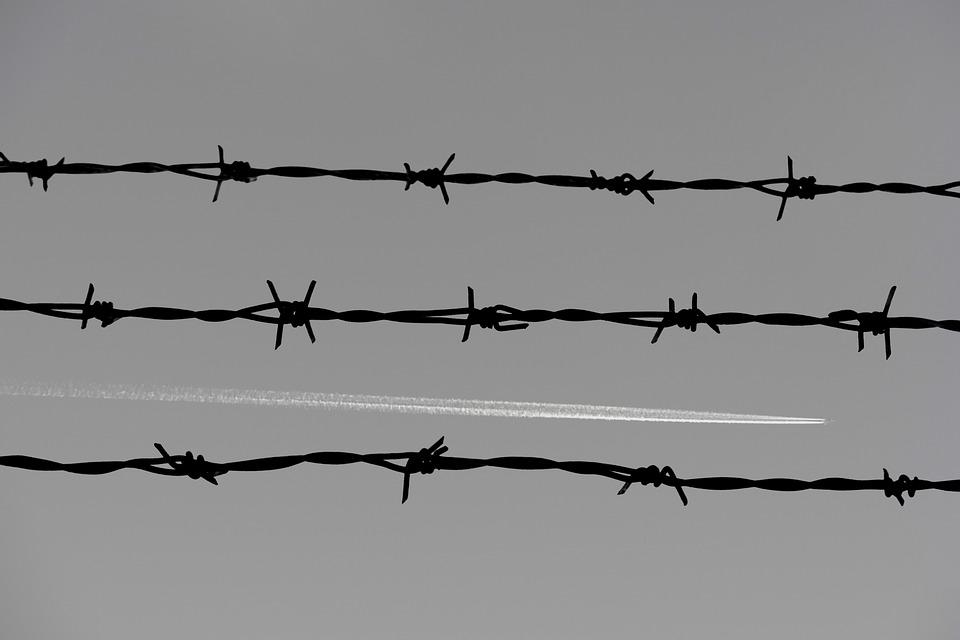 Stacheldraht Zaun Gefängnis · Kostenloses Foto auf Pixabay