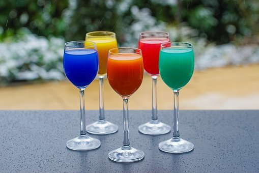 Renkli Içecekler, Gözlük, Içki