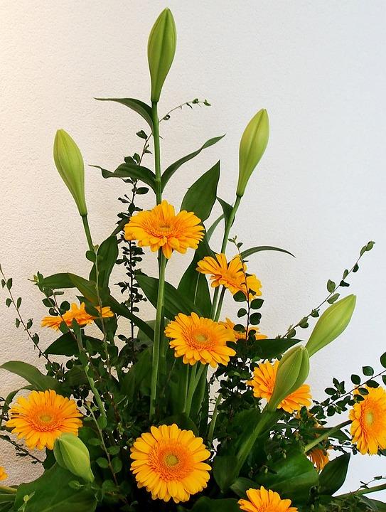 Gerbera Amarillo Arreglo Floral Foto Gratis En Pixabay