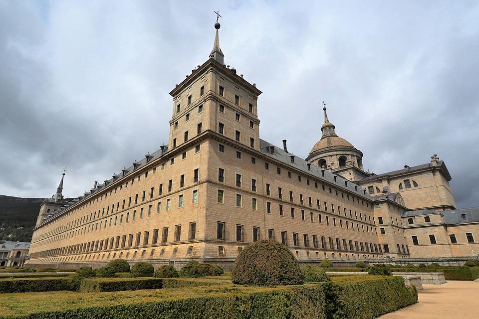 Monasterios Patrimonio de la Humanidad en España, Monasterio y Sitio de El Escorial en Madrid