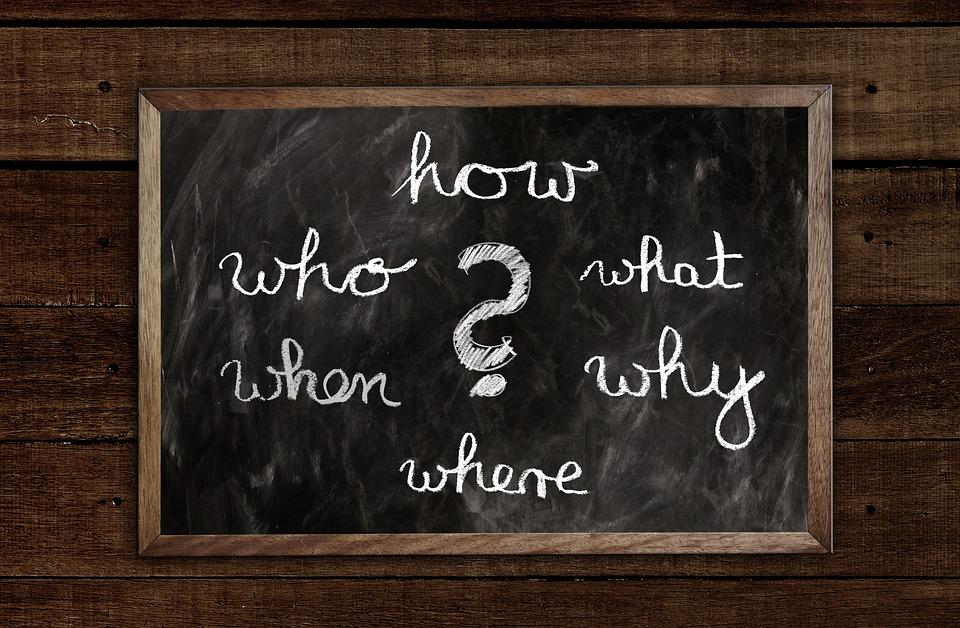 ボード, 質問, 誰, 何, どのように, なぜ, どこ, 通信手段, フォント, 言語, チョーク, 黒板