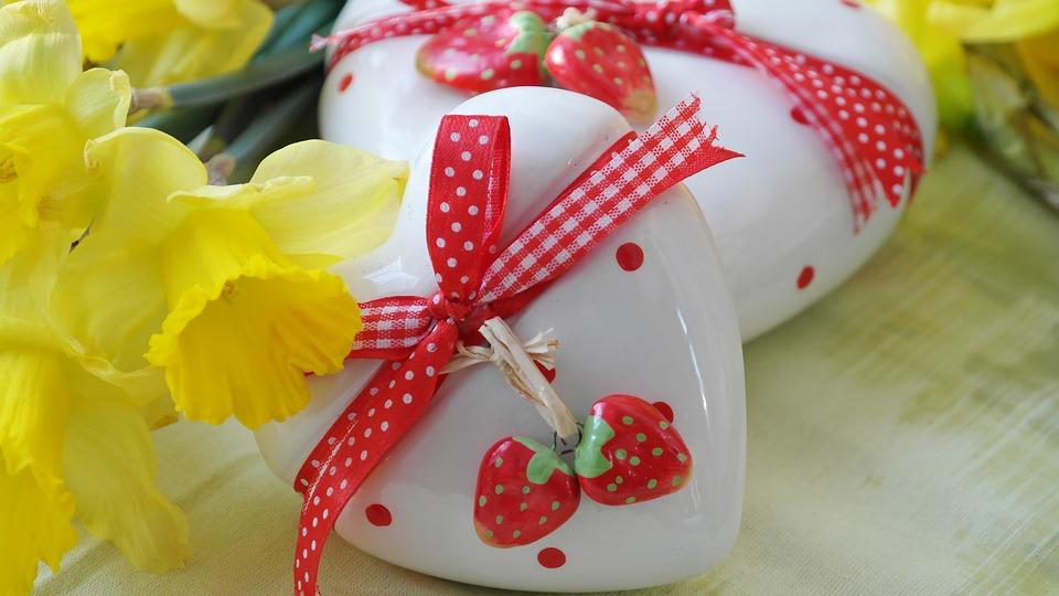 Heart love gift daffodils free photo on pixabay heart love gift daffodils easter easter gift negle Choice Image