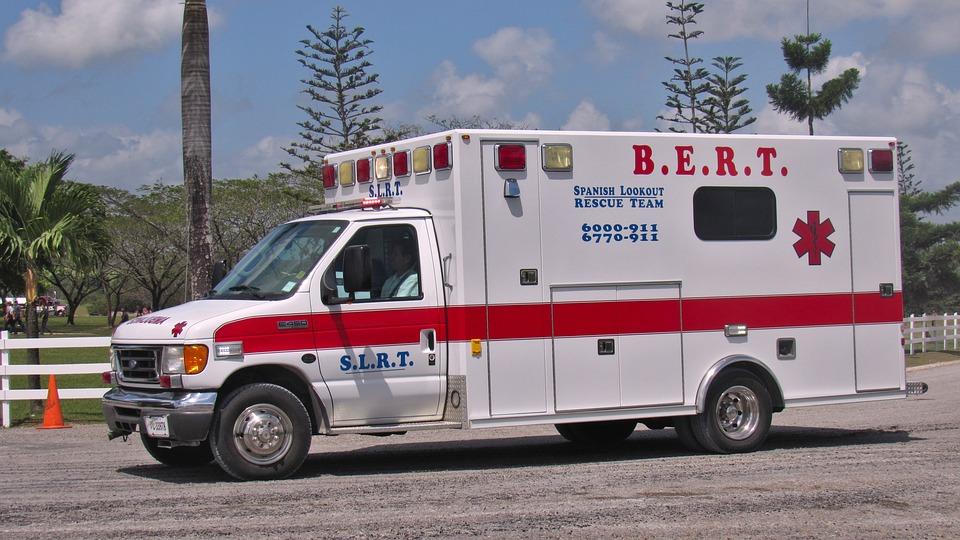 救急車、ヘルプ、レスキュー、クラッシュ、緊急事態、車両