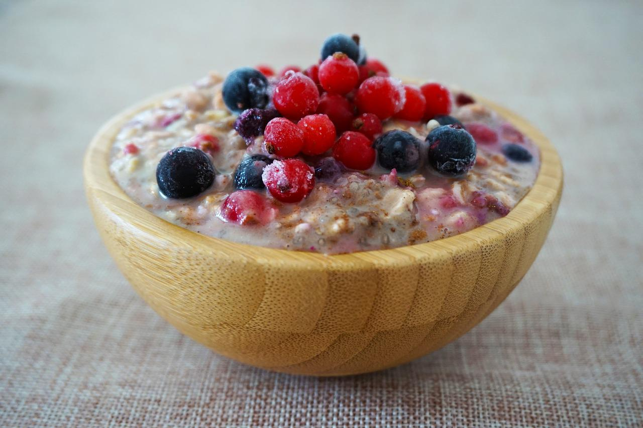What can oatmeal help control?