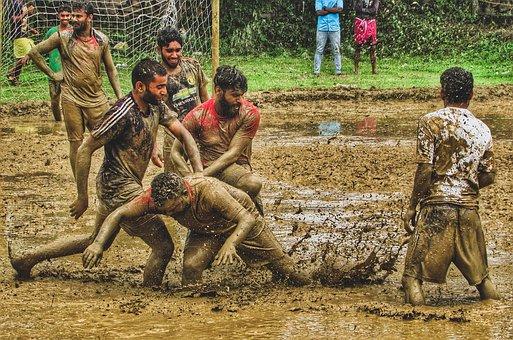Lama De Futebol, Kerala, Monção, Pessoas