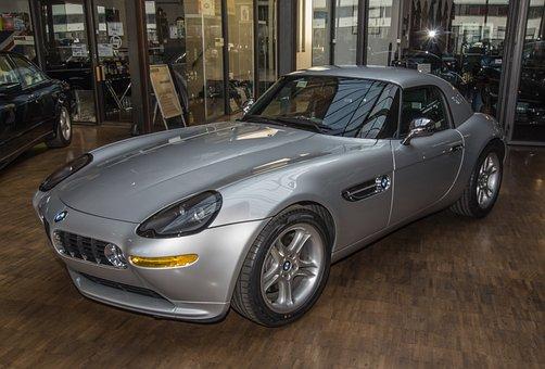 A mí también me gusta un coche así. Pero hay que pagarlo y mantenerlo