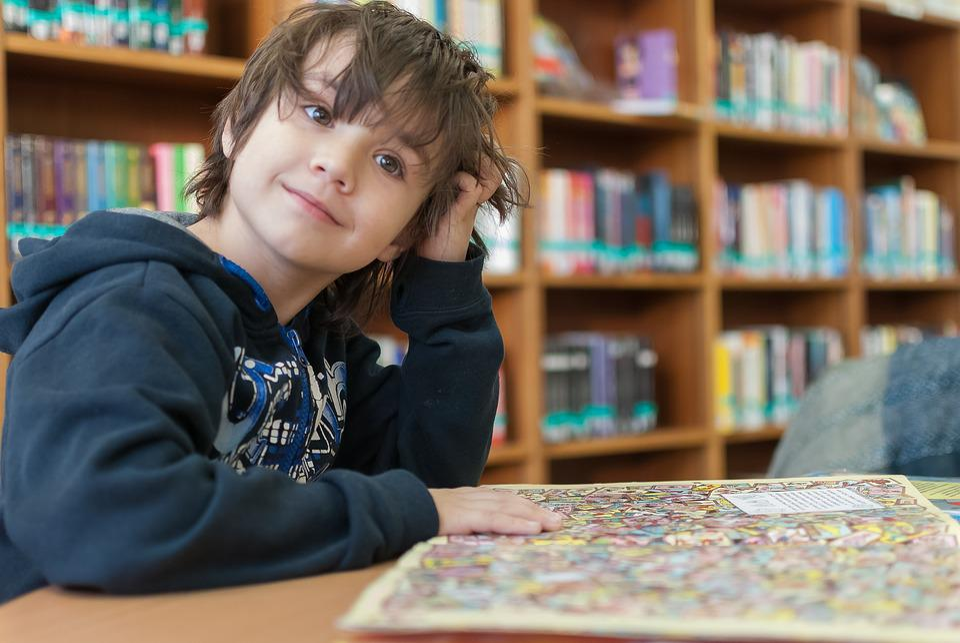 Étagère, Bibliothèque, Éducation, À L'Intérieur, Enfant