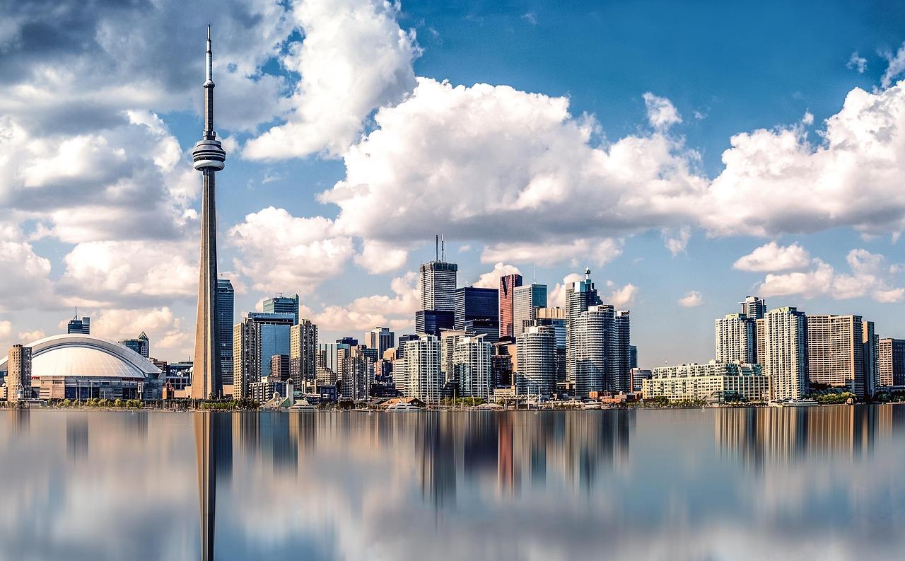 Город торонто канада фото