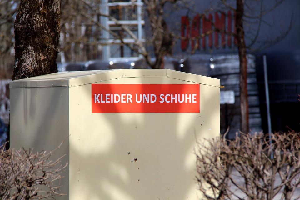Gebruikte Kleding.Gebruikte Kleding Container Oude Gratis Foto Op Pixabay