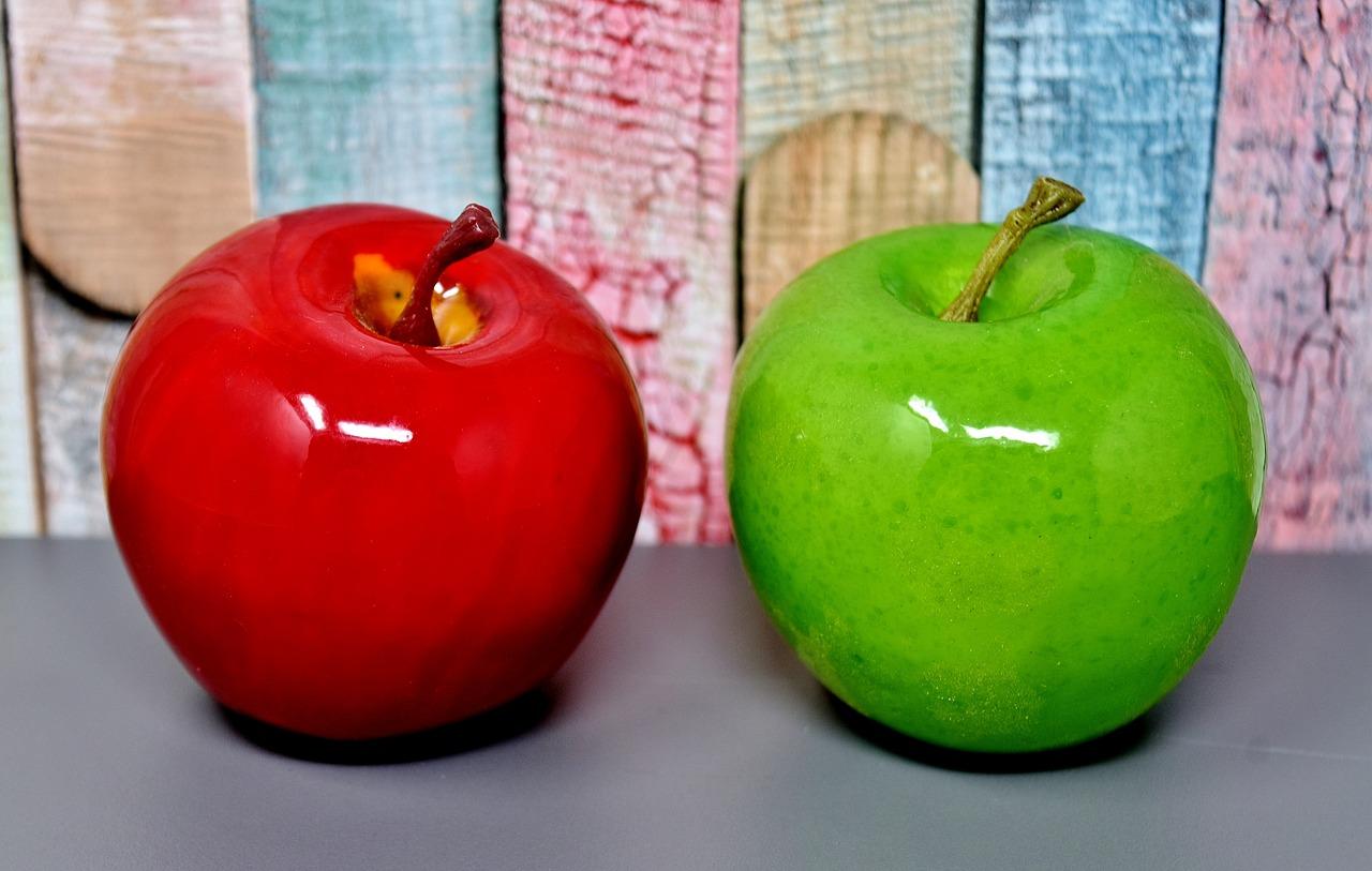 картинка яблок зеленых и красных является поклонницей высоких