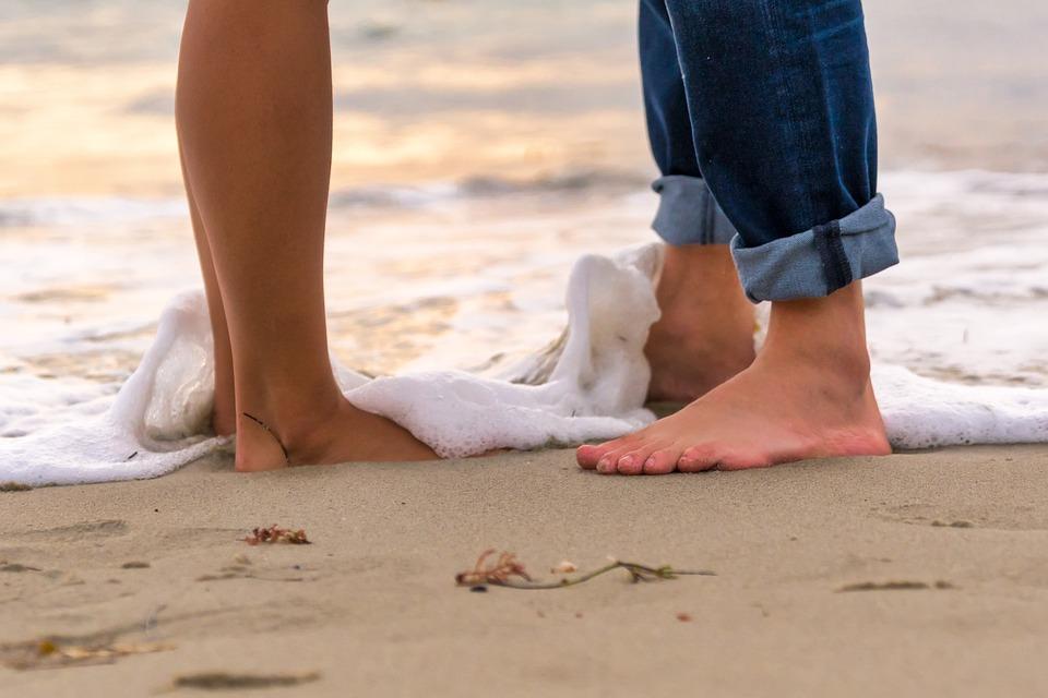 砂, ビーチ, 裸足で, 海岸, 足, 水, 波, ロマンス, カップル, 屋外, ライフスタイル, ウェット