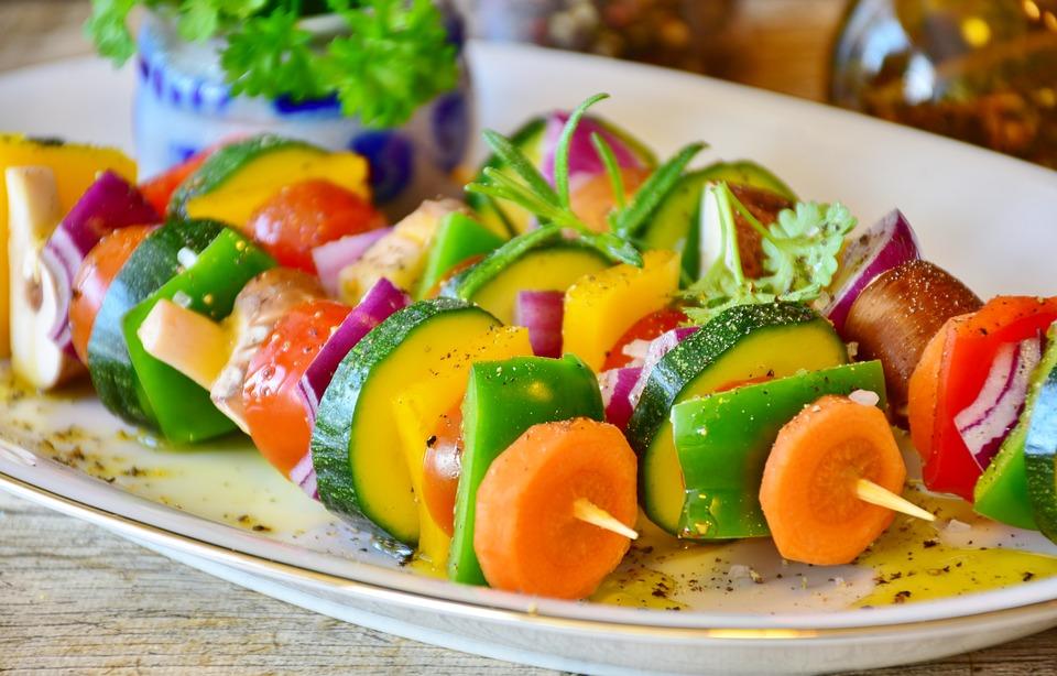 Unta ligeramente las verduras