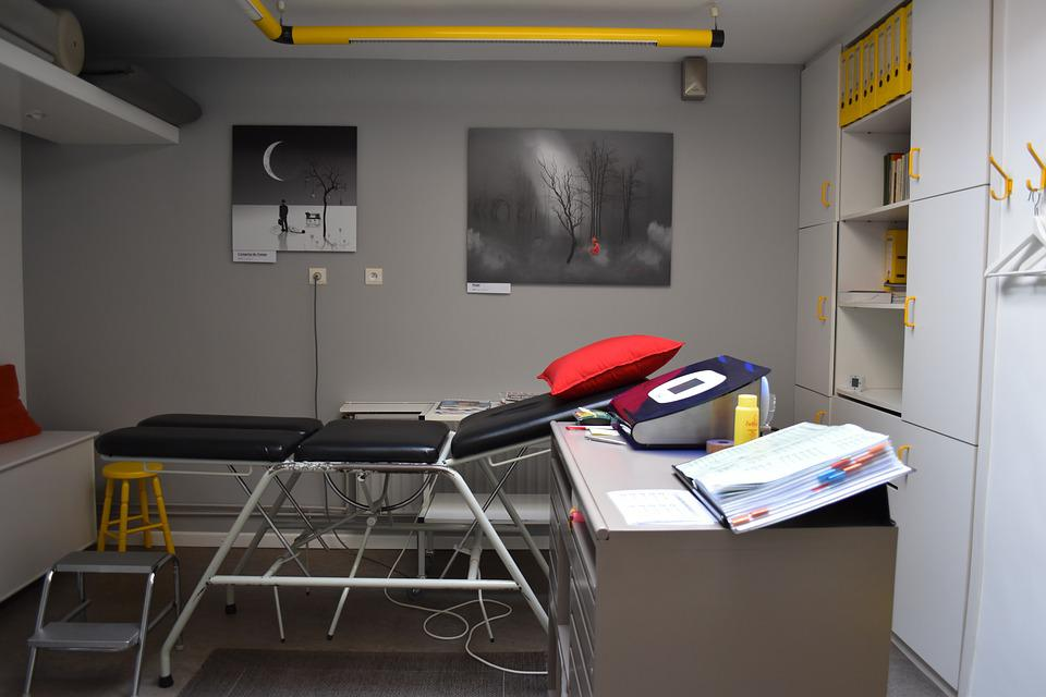 Furniture, Indoors, Table, Room, Massage, Physiotherapist