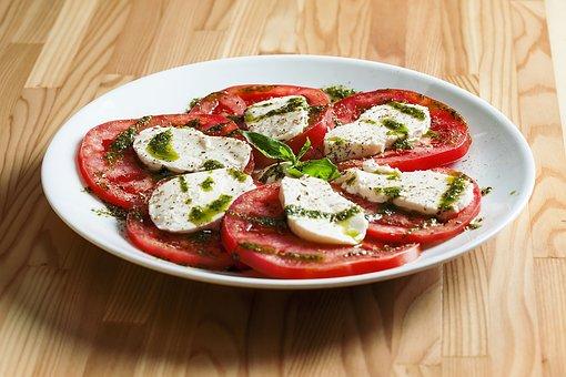 plat spécifique tomate mozarella