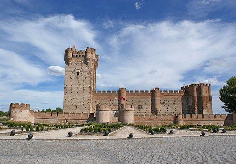 Qué ver qué hacer en Valladolid, Vista del Castillo de La Mota, Medina del Campo, Valladolid